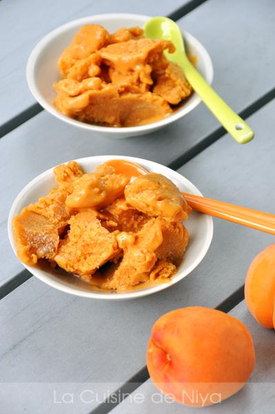 Glace à l'abricot