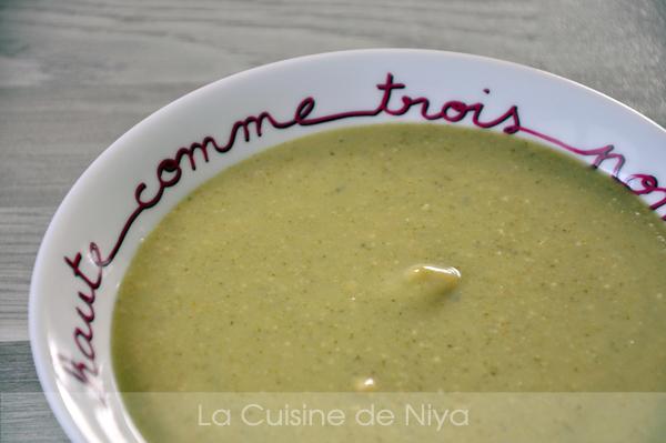 La Cuisine de Niya - Velouté de brocolis aux cacahuètes - vegan