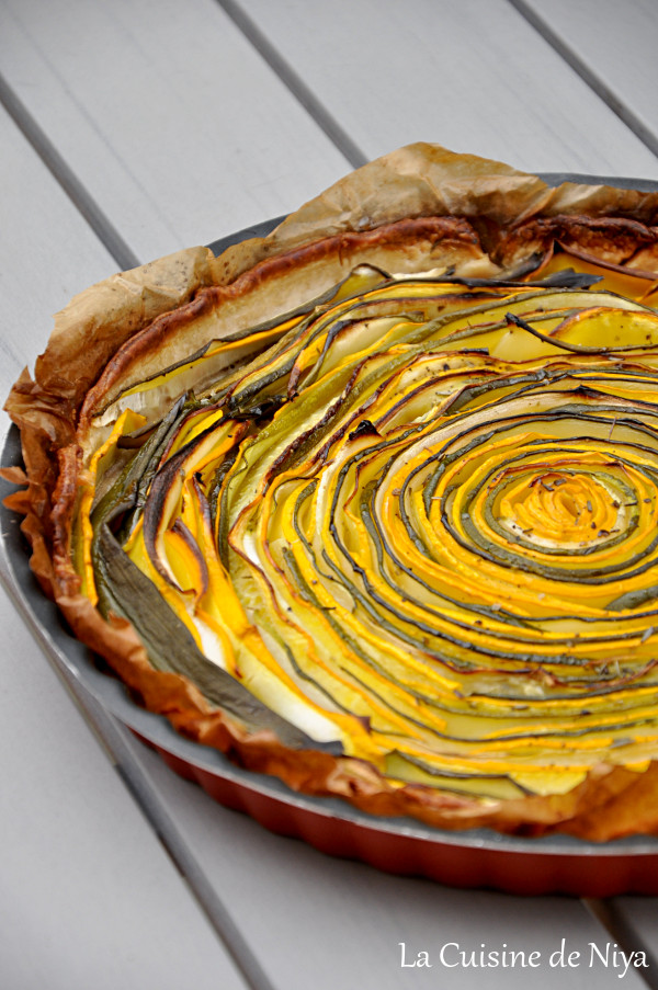 La Cuisine de Niya - Tarte hypnotique aux courgettes jaunes et vertes - vegan